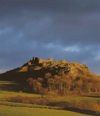 Carreg Cennen Castle, Carmarthenshire ©Cadw, Welsh Assembly Government (Crown Copyright)